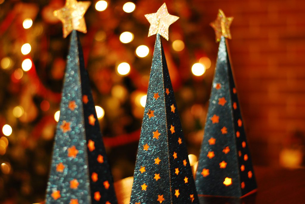 paper christmas tree lantern
